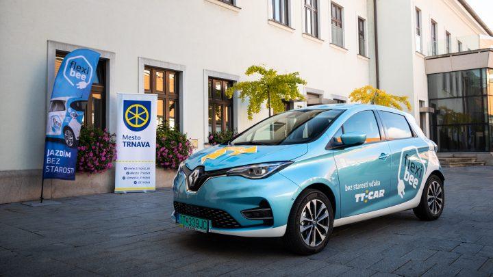 Mesto Trnava dostalo na ročnú bezplatnú výpožičku zdieľaný elektromobil Renault ZOE.