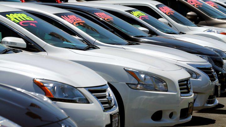 Zánovné vozidlá na slovenskom trhu za rok zdraželi až o 15 %, niektoré aj viac ako o pätinu.